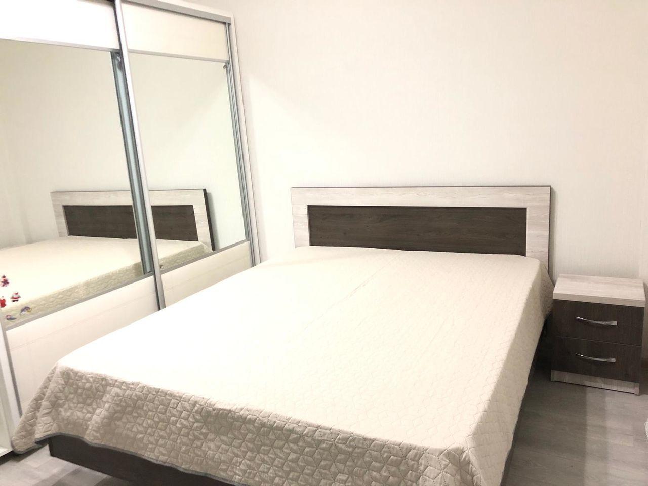 Chirie apartament cu 2 camere într-un bloc nou